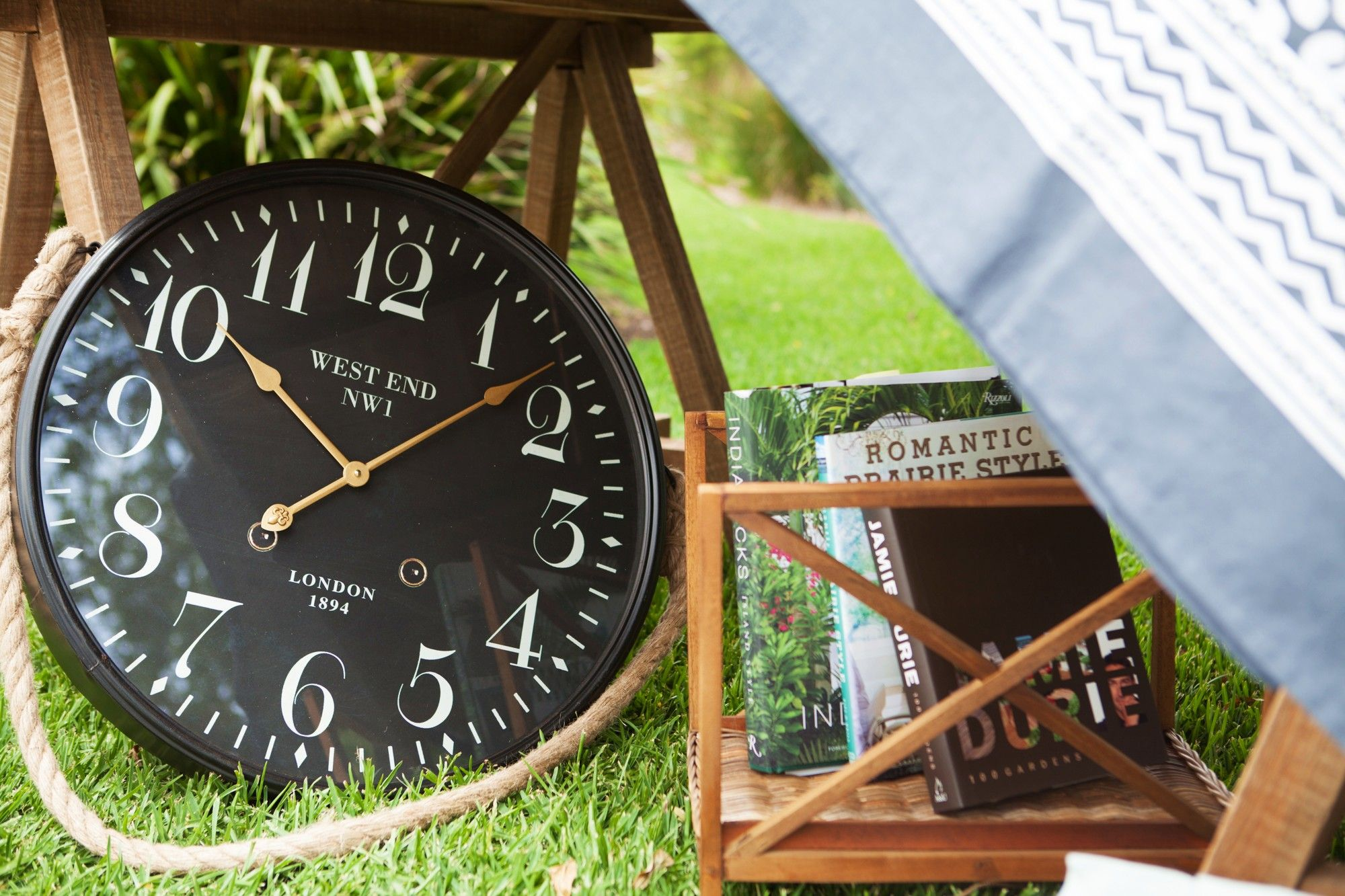Classic clocks always add a touch of glamour to both rustic and contemporary settings