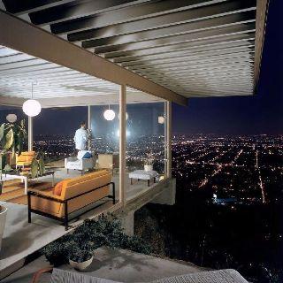 Stahl House (Case Study House #22), LA, designed by Pierre Koenig; Photo: Julius Shulman.