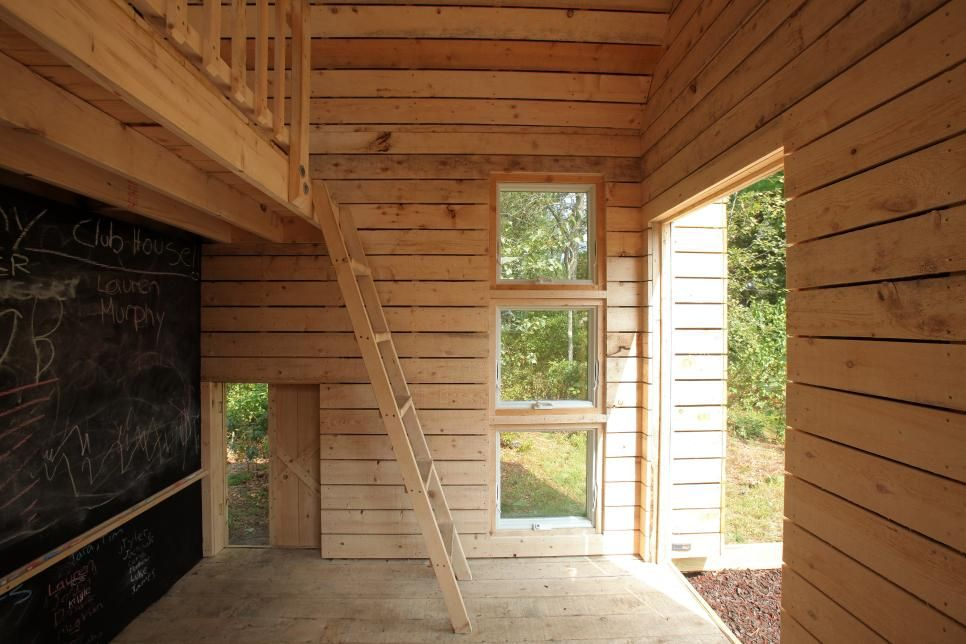 playhouse child friendly interior surfaces | Eco-Friendly Playhouse Takes Fun to New Heights ...