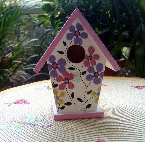 Hand painted birdhouse birdhouses pinterest may 17 - Bird house painting ideas ...