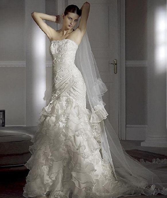 pronovius wedding gown