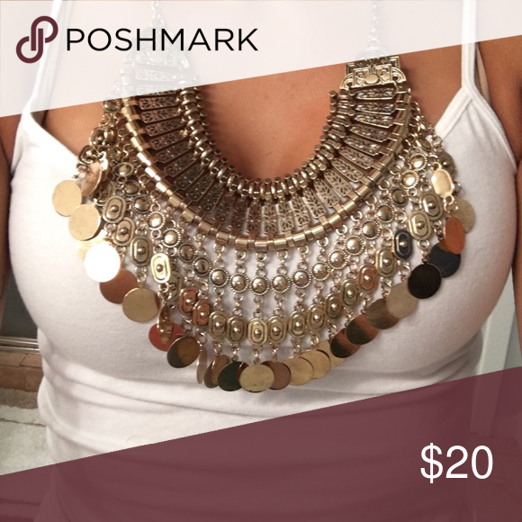 Statement necklace Gold statement necklace ALDO Jewelry Necklaces