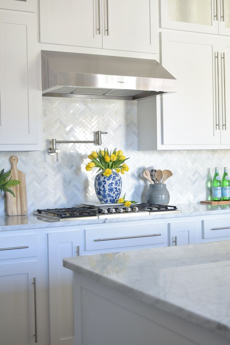 Attractive Carrara Marble White Herringbone Backsplash 3