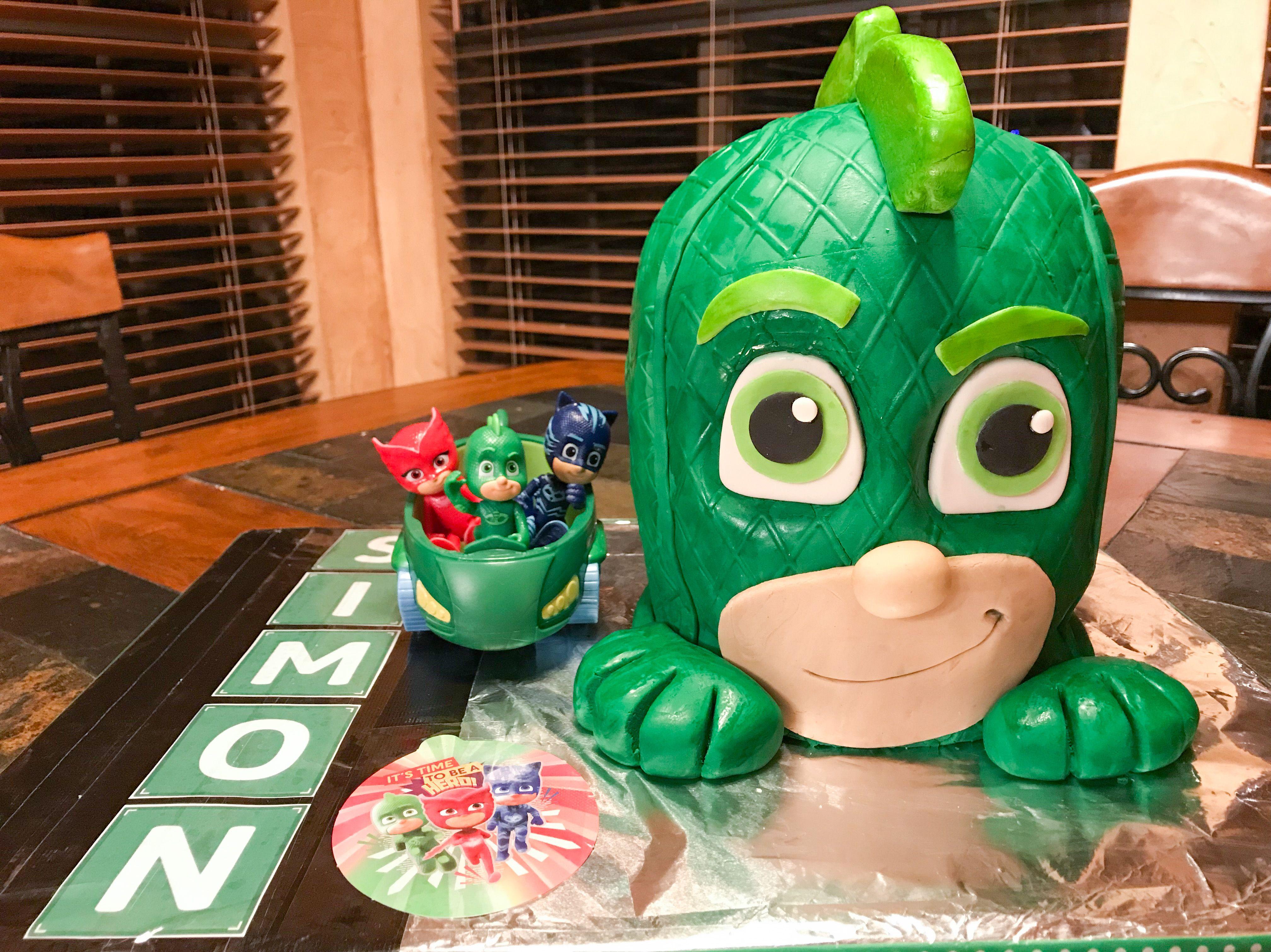Pj Masks Gekko Cake For Simon S 5th Birthday Pj Masks Birthday