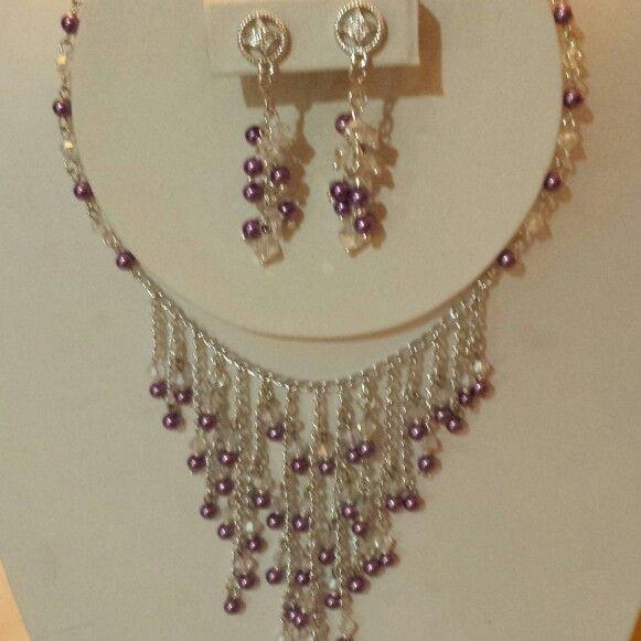 Perlas moradas y cristales de Swarosky,cadena en plata