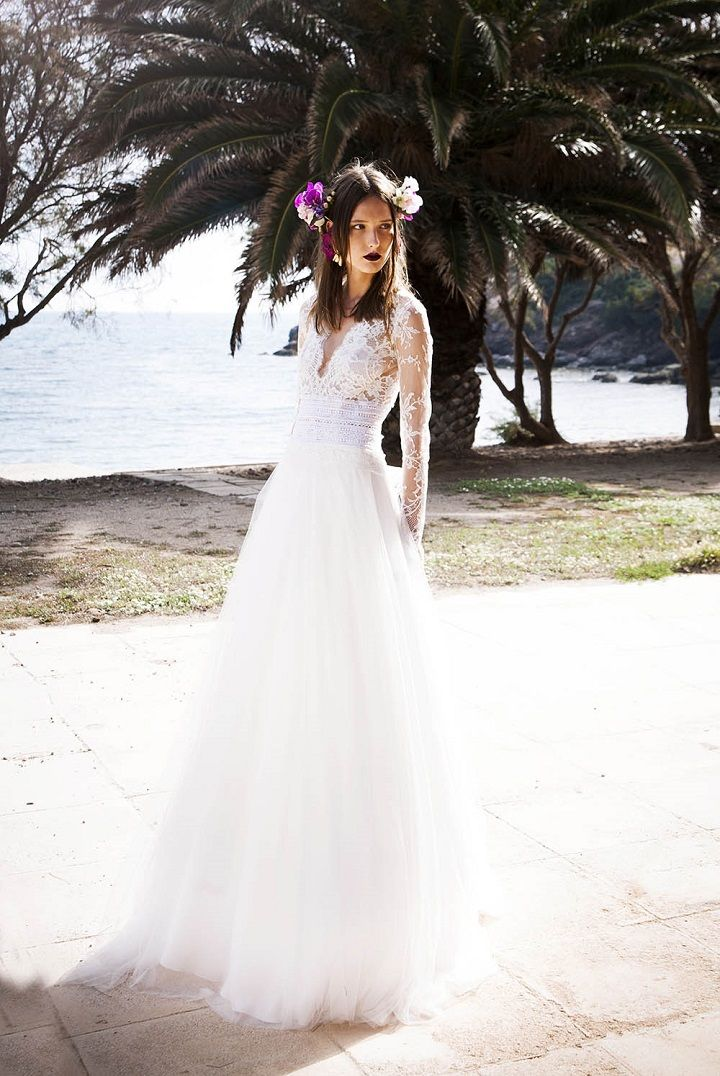 Embroidered lace illusion plunge-neck ball gown | itakeyou.co.uk #weddingdress #weddinggown #bridalgown #beachweddingdress
