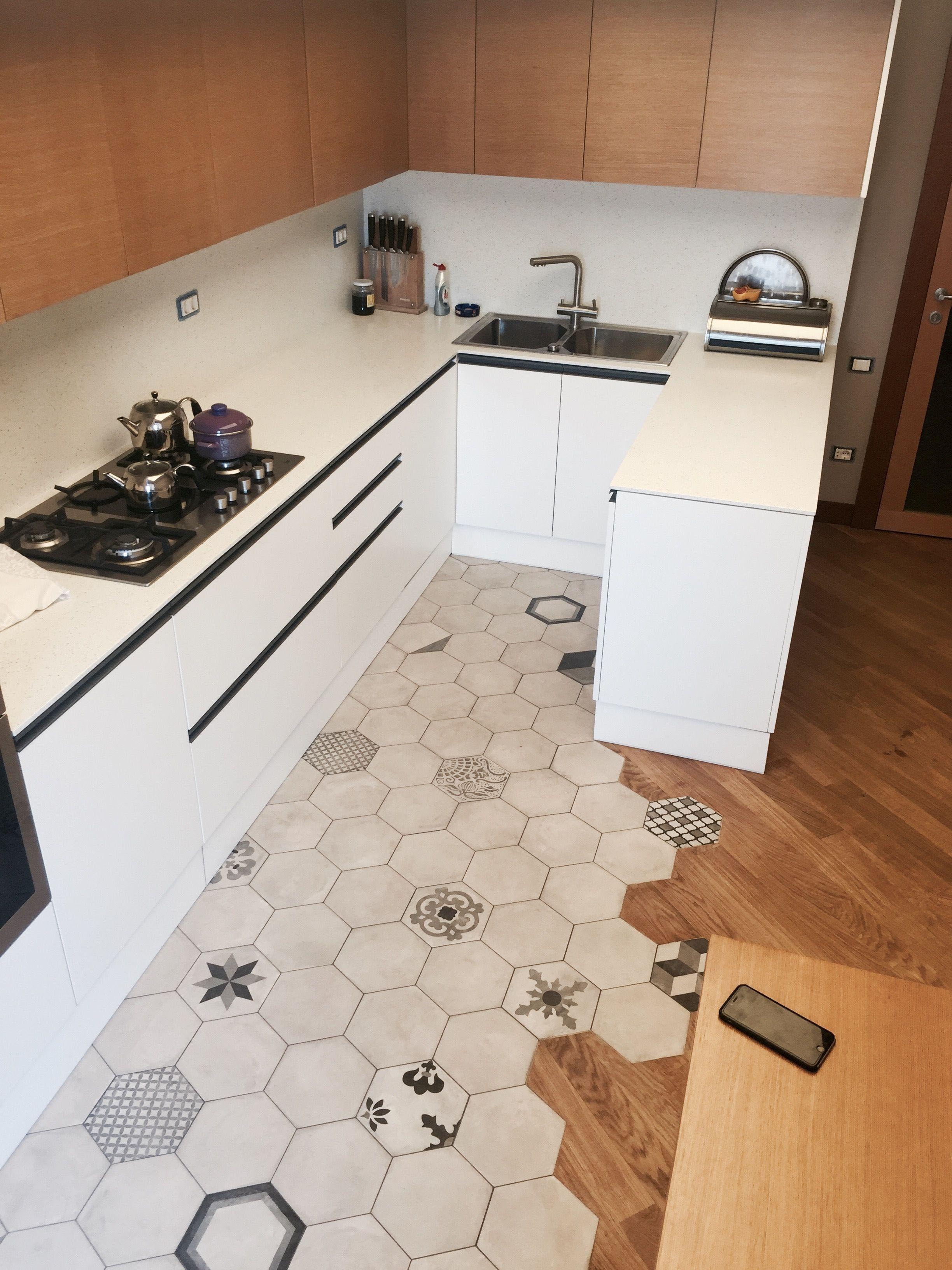 Hardwood Look Tile Floor Covering Assessments Absolute Best Brands Pros Vs Disadvantages Interior Design Kitchen Kitchen Flooring Kitchen Remodel Small