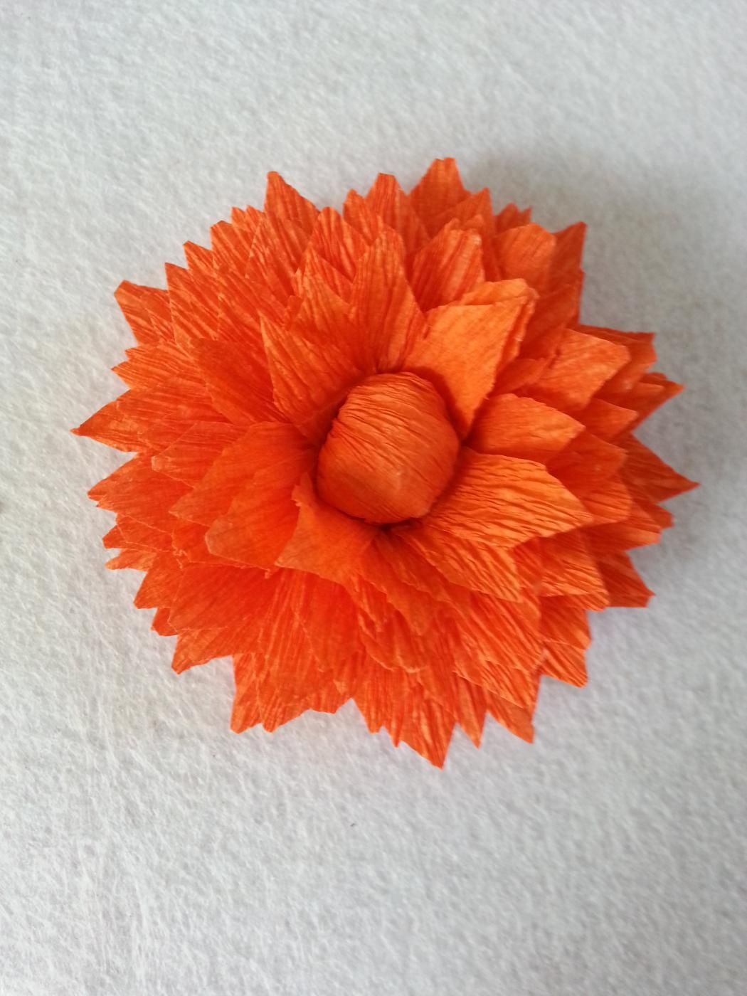Diy Crepe Paper Flower Using Streamers Paper Flowers Pinterest