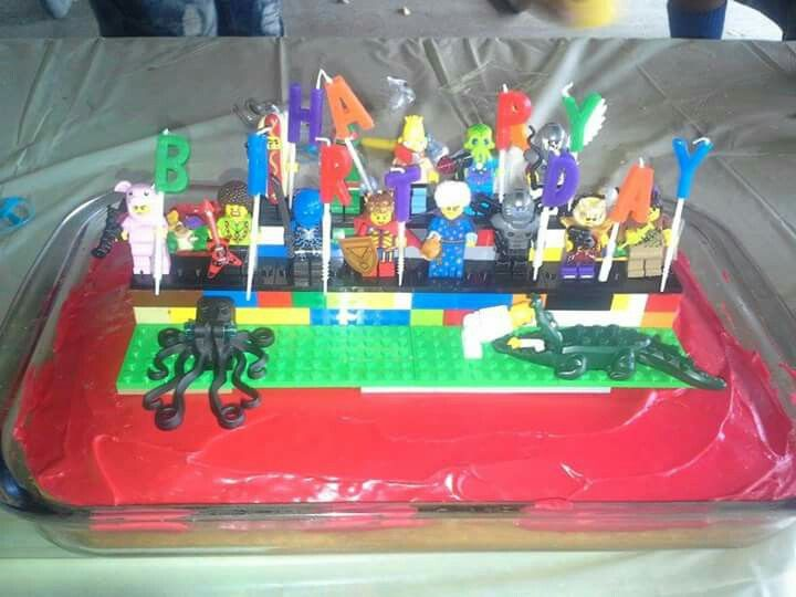 Diy Lego Cake I Made A Two Level Stand Used Men