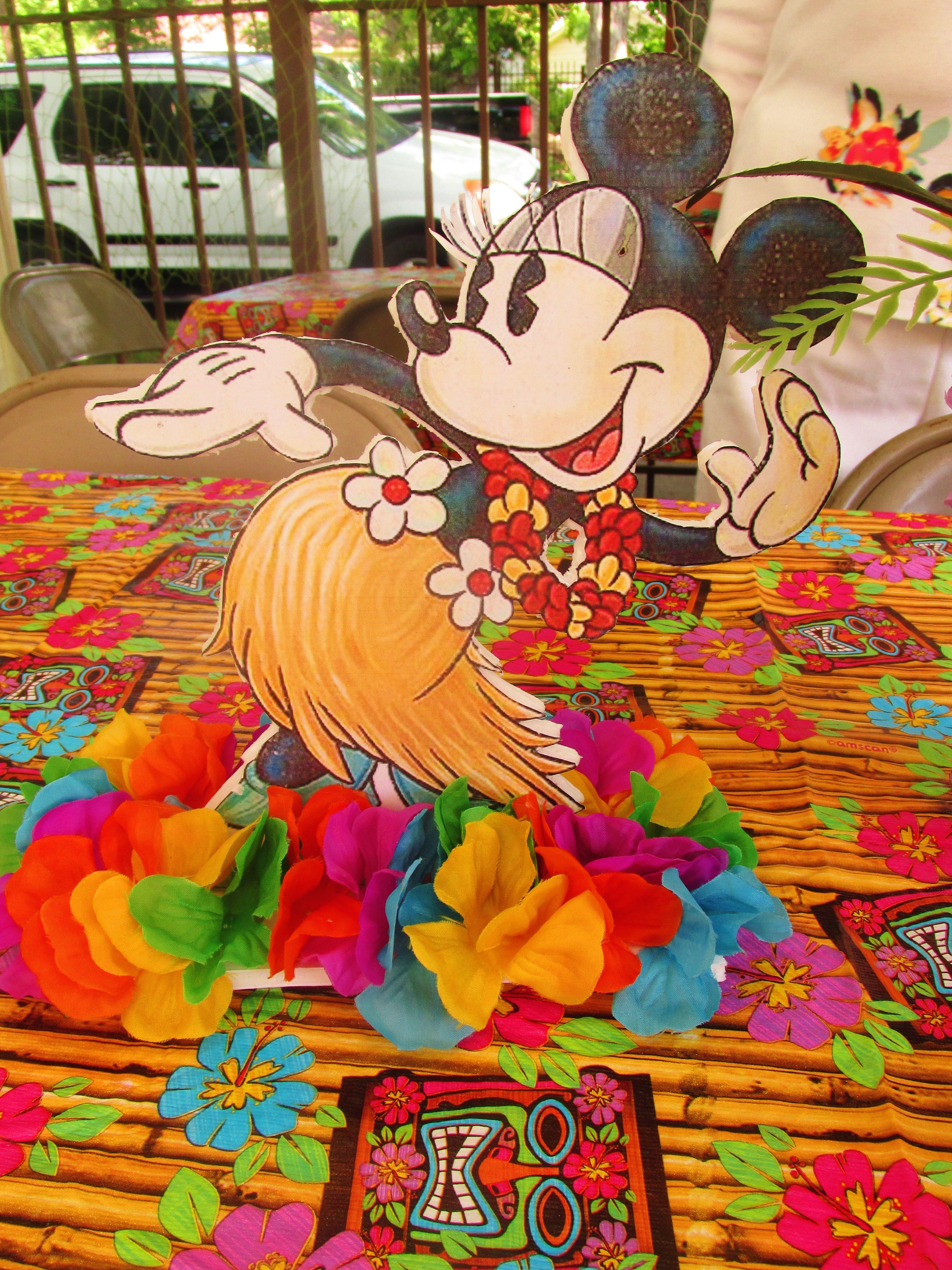 Minnie Mouse Luau