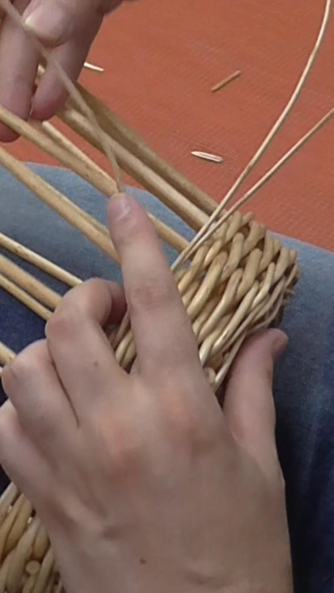 Willow Basket Weaving - Part 3: The Upsett