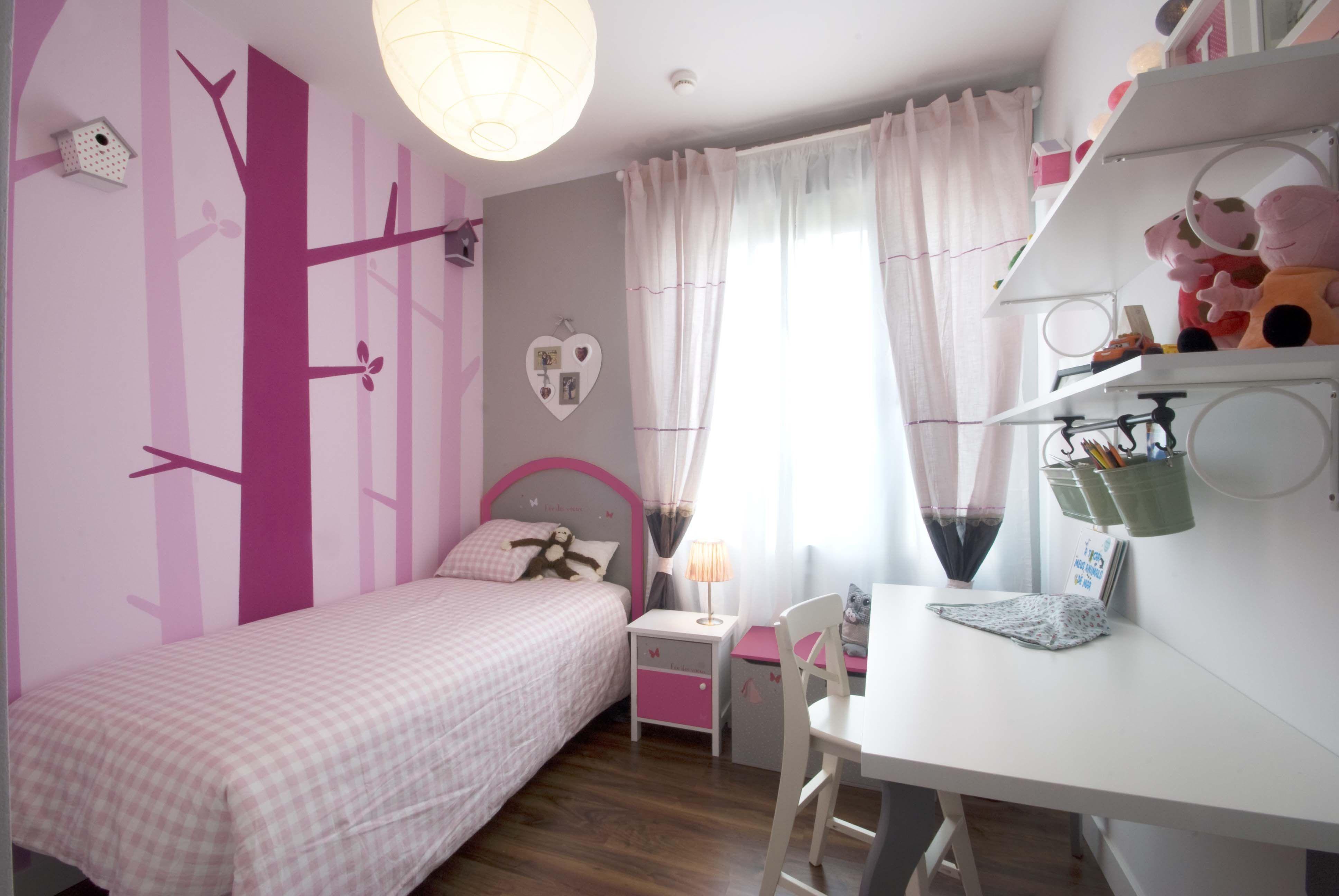 #Dormitorio #Niños #eclectico #decoracion via @planreforma #camas #sillas #escritorio #cabecero de cama #niños #estanterias #arbolesdiseñado por Cristina Bosch - Decorador