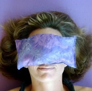 Flaxseed and lavender eye pillow. Best thing for a sinus headache. Easy to make! #DIY #lavender