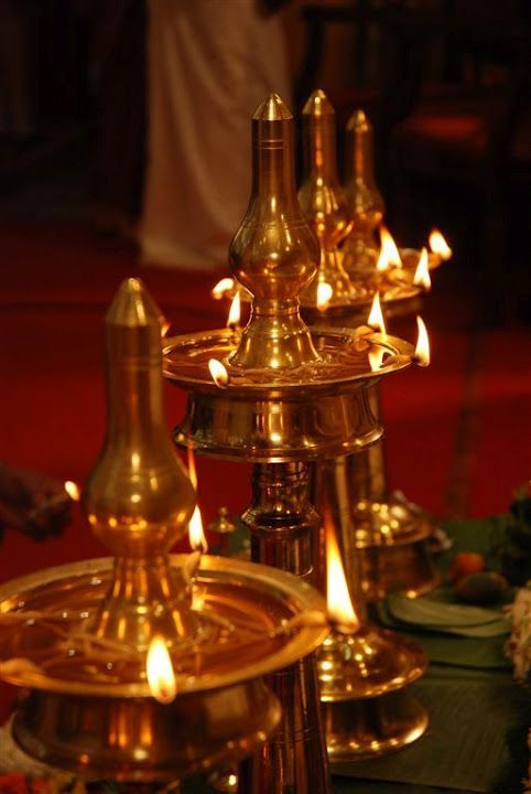 The Must Have Piece Of Kerala Decor Nilavilakku Whats Ur Home Story Indian Lamps Oil Lamps Kerala