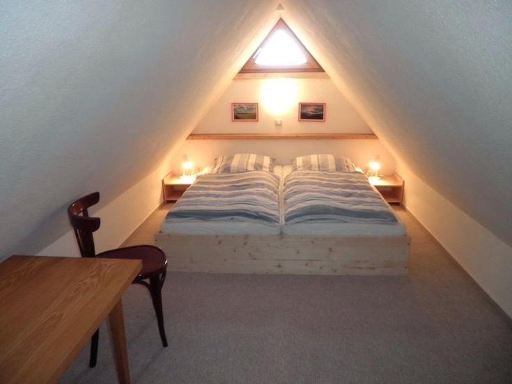 Bildergebnis Fur Spitzboden Spitzboden Dachboden Schlafzimmer