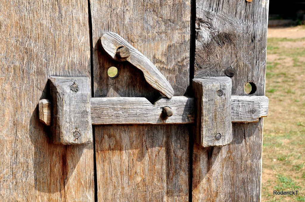 Photo of DSC_1697 Wooden Door Locks West Stow Anglo Saxon Village Thetford Suffolk 26-06-2010