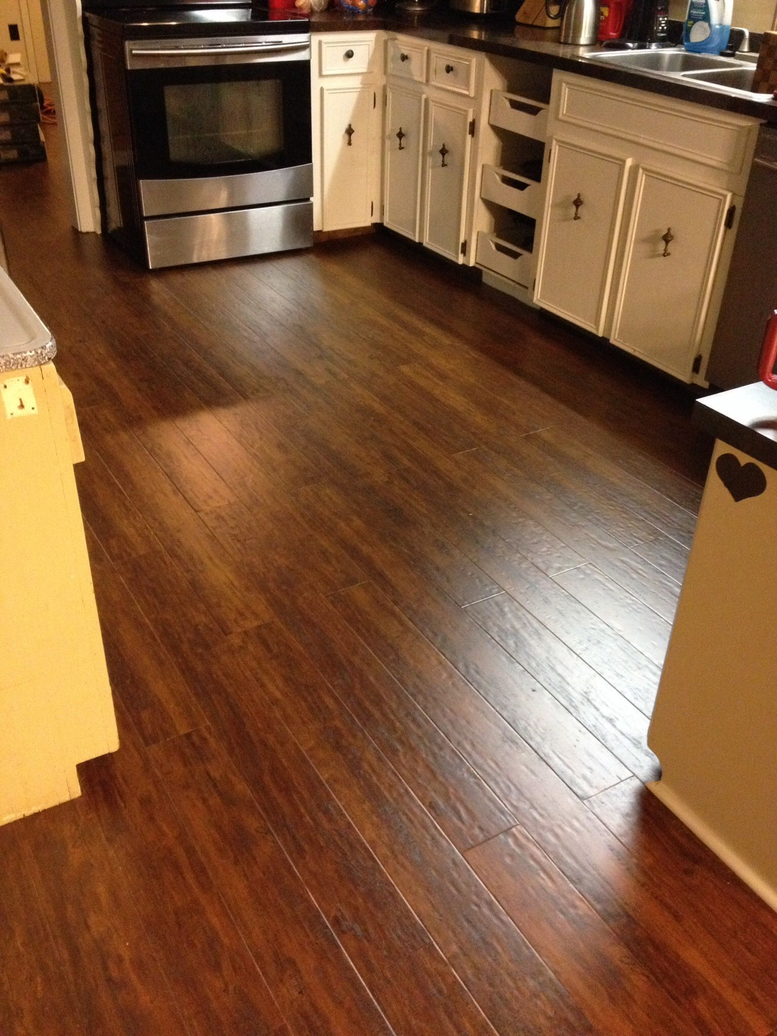 Home Floor And Kitchens Warm Springs Chestnut Laminate Brings Life To The Kitchen