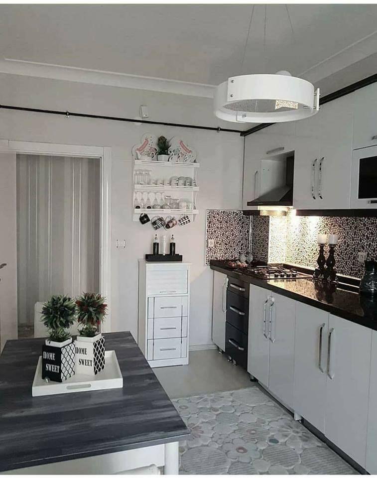 مطابخ تركية في غاية الترتيب والشياكة الوان هادئة وتناسق جميل جدا موقع يالالة Makeup Rooms Kitchen Decor
