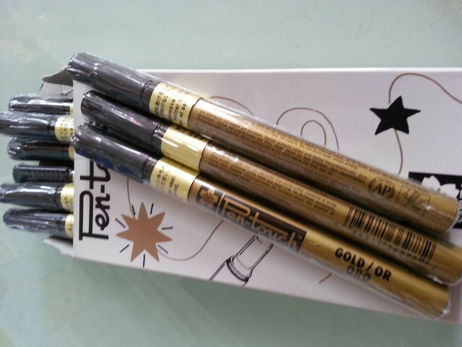 Made in Japan FREE POSTAGE 12 pcs Sakura Pen Touch markers fine point 1.0mm
