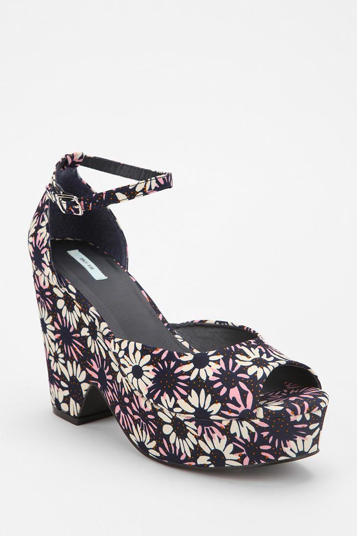 Kimchi Blue Sassy Split Platform Wedge Heel  #UrbanOutfitters    i need these in my life!