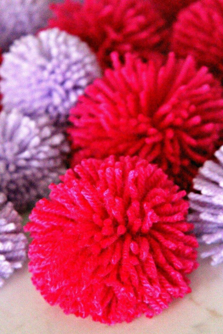 Mass producing adorable pom poms has never been easier