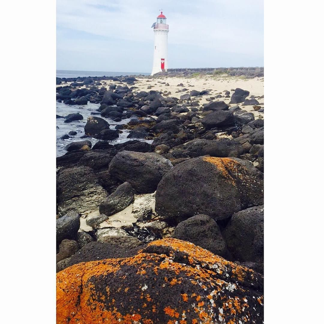 Always a beautiful spot  #griffithsisland#portfairy#lighthouse#lighthouse_lovers#portfairypics#destinationportfairy#explore#adventure#rocks#photooftheday#photography#beach#sand#ocean#spectacular#love3284#outdoors#livelife  @nienp85aussie by vonniebaud