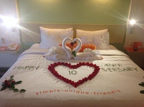Happy 10th Anniversary Hotel Room Decoration Romantic Room Decoration Room Decor