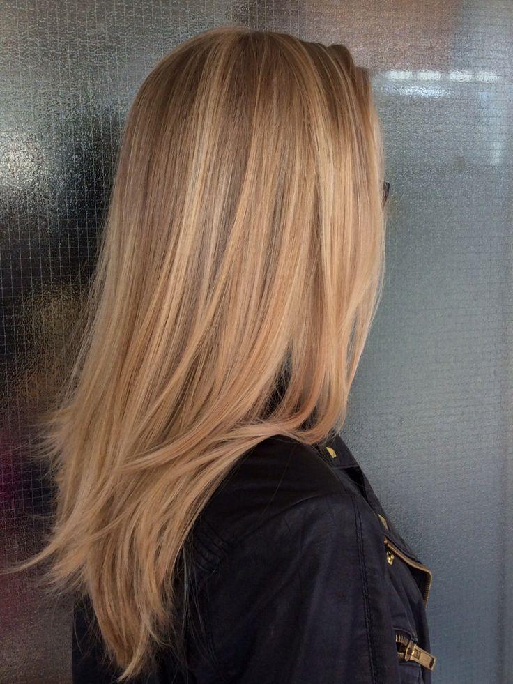 Goldenes Karamell balayagiertes Haar - Balayagestreifen mit leichter Toffe #blondehair