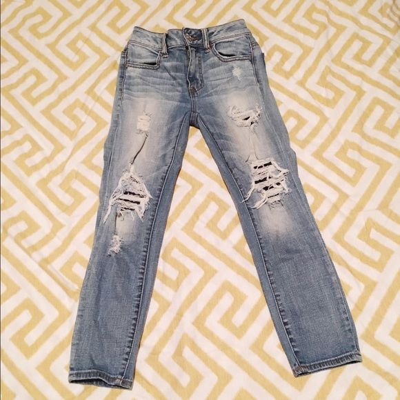 Hi rise crop Jean Stretch, crop, hi rise. In excellent condition, used once. American Eagle Outfitters Pants Ankle & Cropped