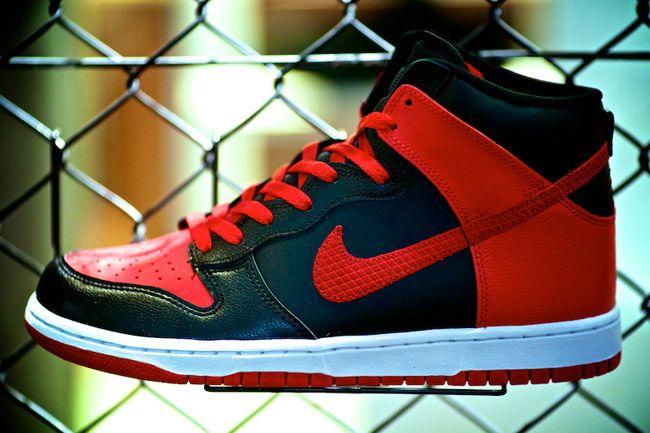 official photos f0867 8017e Nike Dunk High
