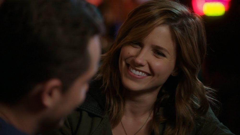 Lindsay and Halstead - 2x02