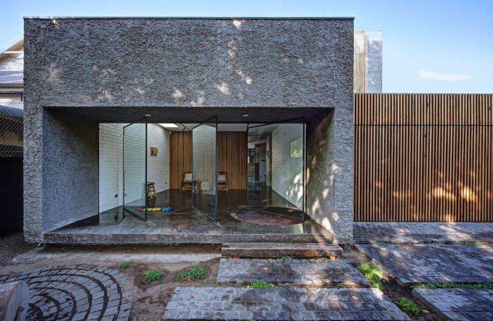Архитектура, Стекло Pivot передней двери Простой современный минималистский дом Дизайн с открытыми бетонную стену Внешние идей: Наложение чар Современный дом Создано Джессика Лью