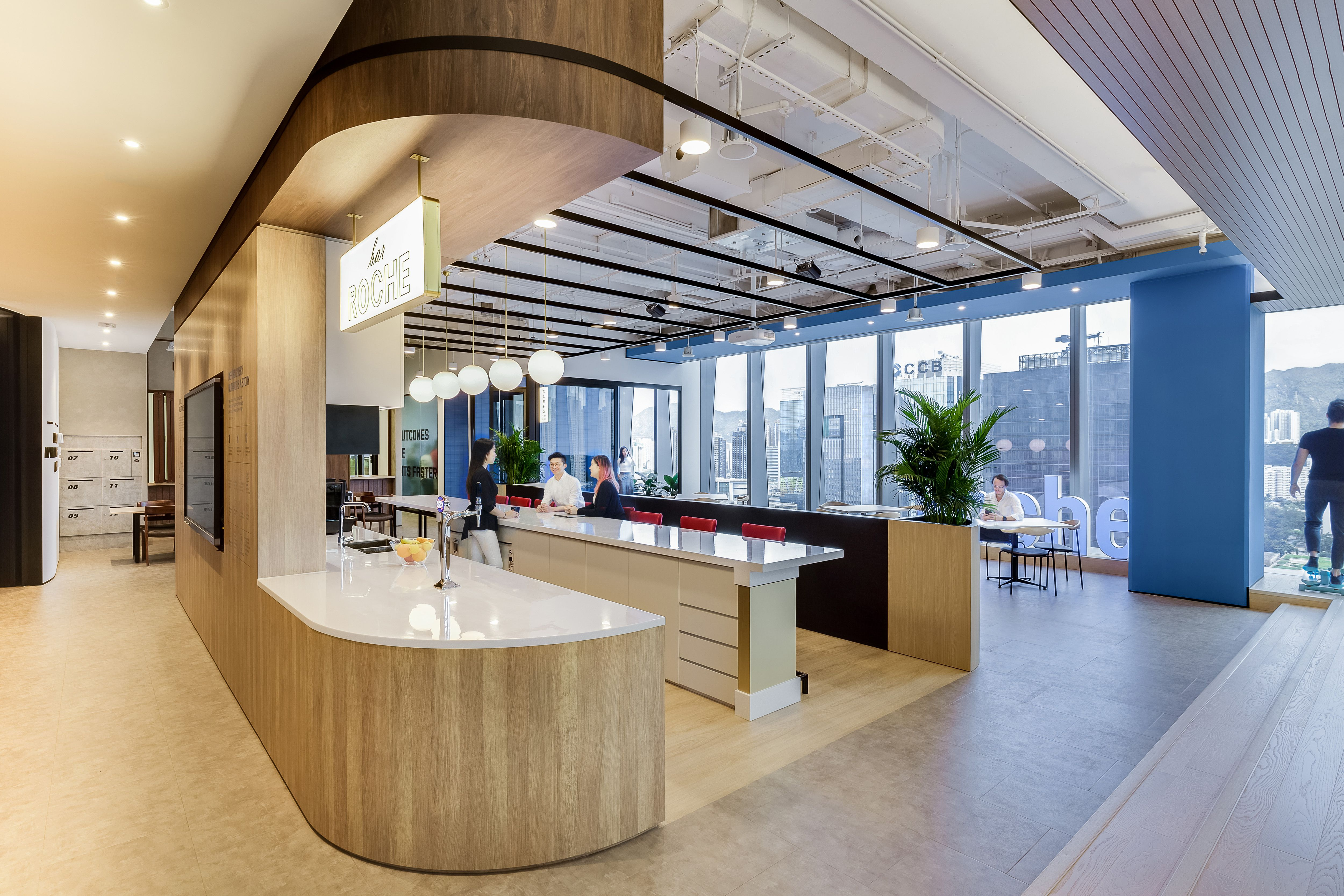 Project by M Moser Associates Open space office, Video