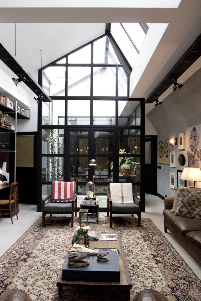 James Van Der Velden : Ancien Garage Renove Amsterdam     Inside Garden,  The Roof OpenS To Get The Fresh Air In