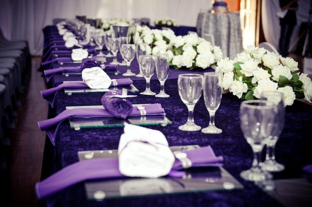 Love the purple table decor for this wedding decor find for Table design for wedding