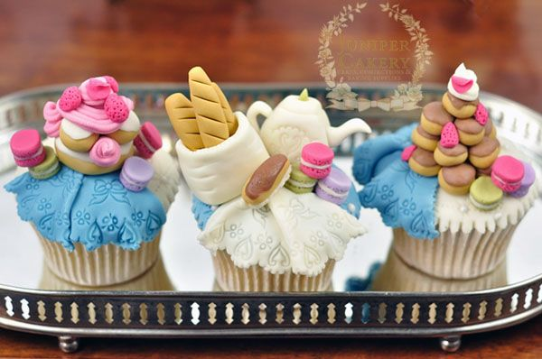 Ooh La La: Cupcake Toppers Designs for a Paris-Themed Party!