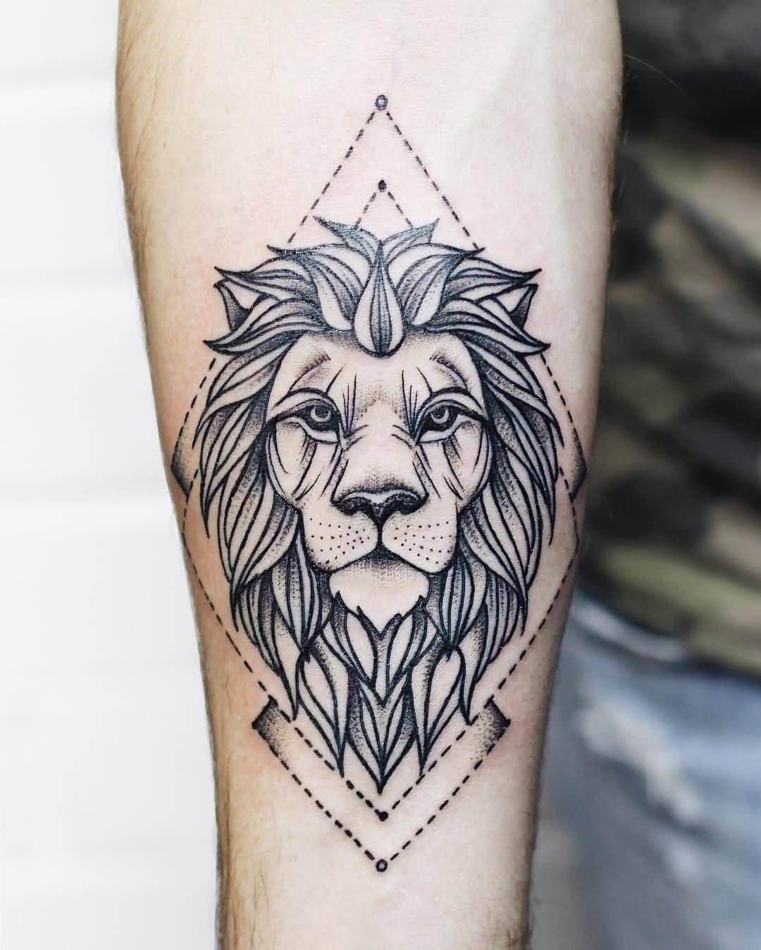 Top 21 Geometric Lion Tattoo Designs In 2020 Geometric Tattoo Geometric Lion Tattoo Lion Tattoo Design