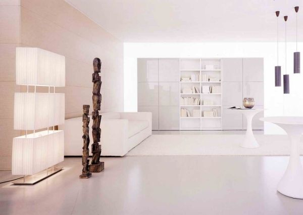 pur weißes wohnzimmer hochglanz wohnwand holz statuen Wohnzimmer - wohnzimmer wohnwand weiß
