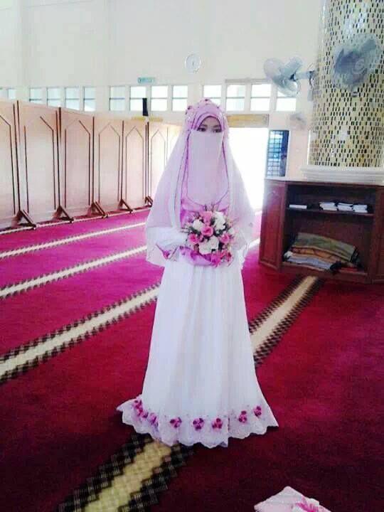 Pin von bariaty satria auf niqab | Pinterest | marokkanisches Kleid ...