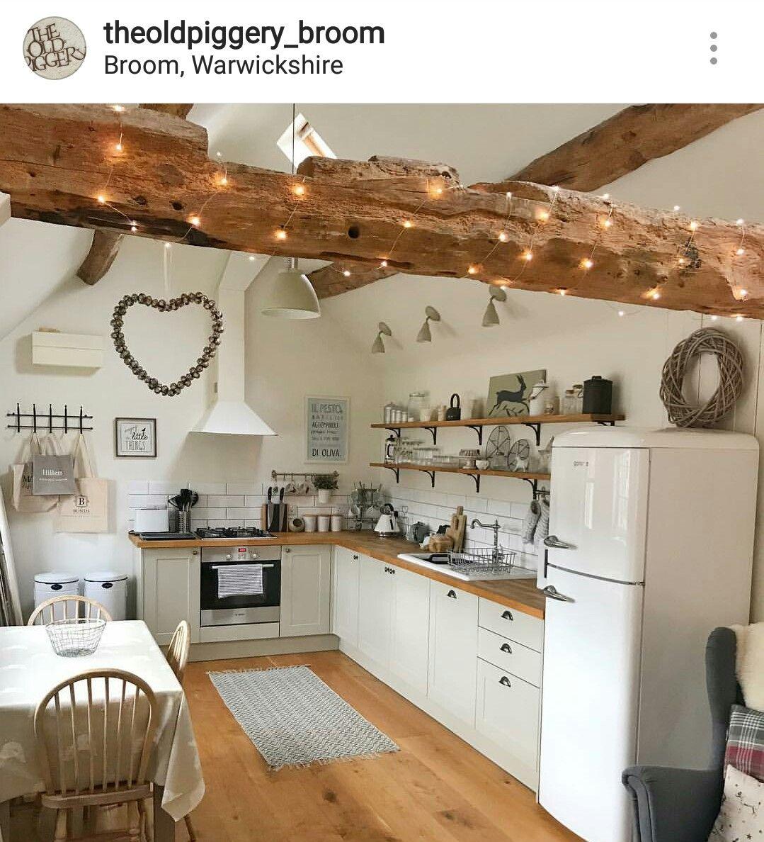 Dainty kitchen. Love. #countertop