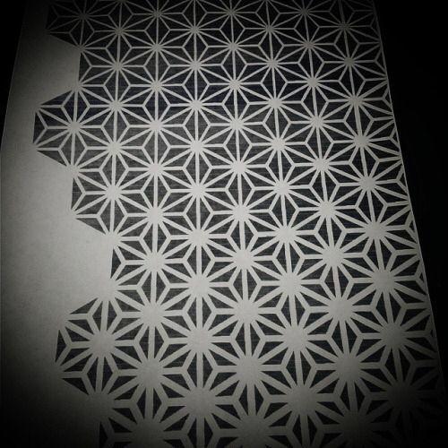 asanoha pattern tattoo designs pinterest tattoo vorlagen geometrische tattoos und geometrie. Black Bedroom Furniture Sets. Home Design Ideas