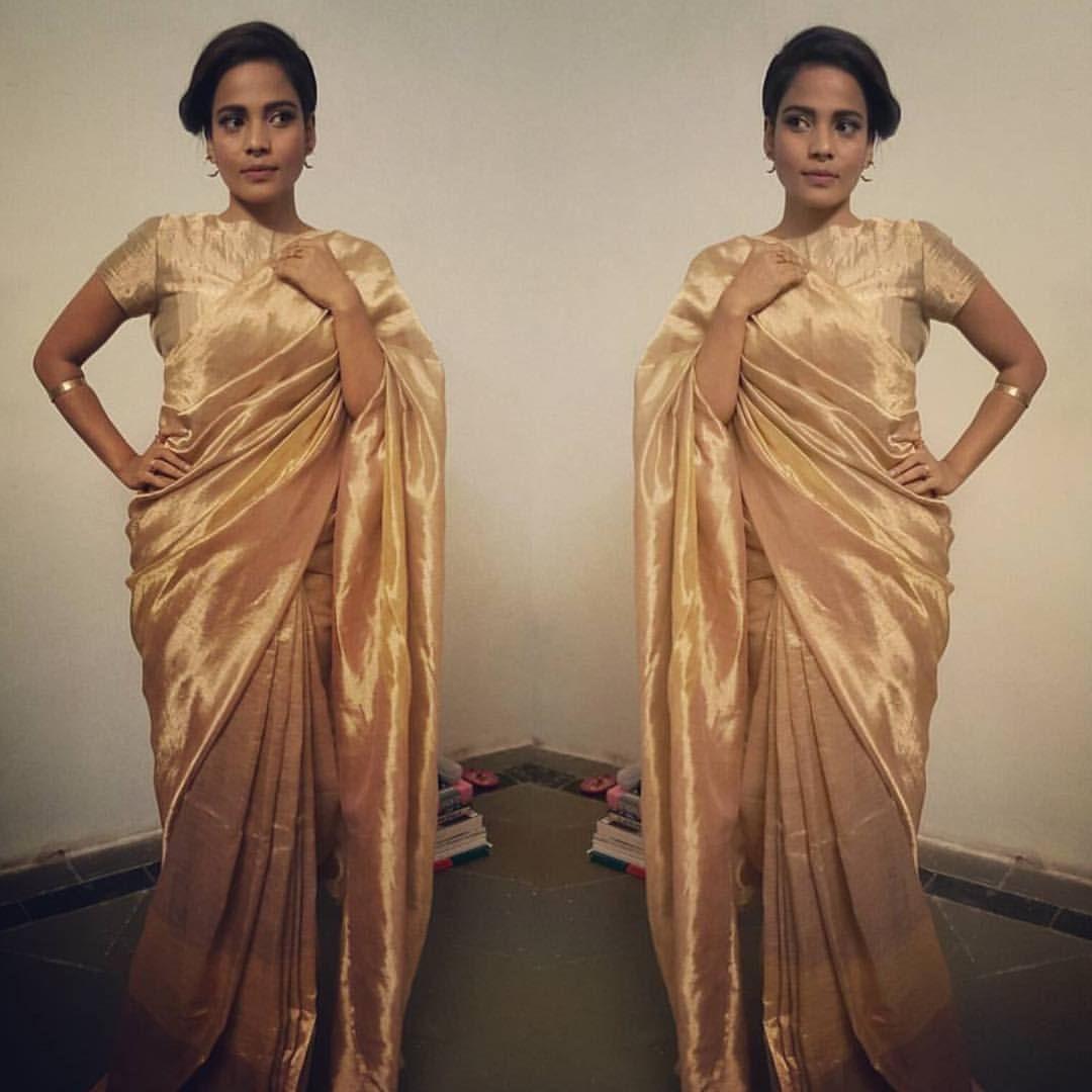 Deepika Padukone Golden Tissue Saree - Deepika Padukone Age