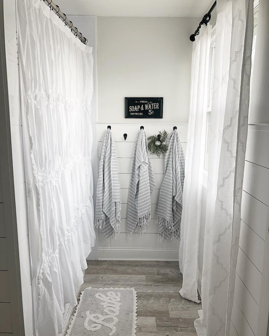 Top 10 Fixer Upper Bathrooms: Pin By Lindsey Walters On Bathroom Updates