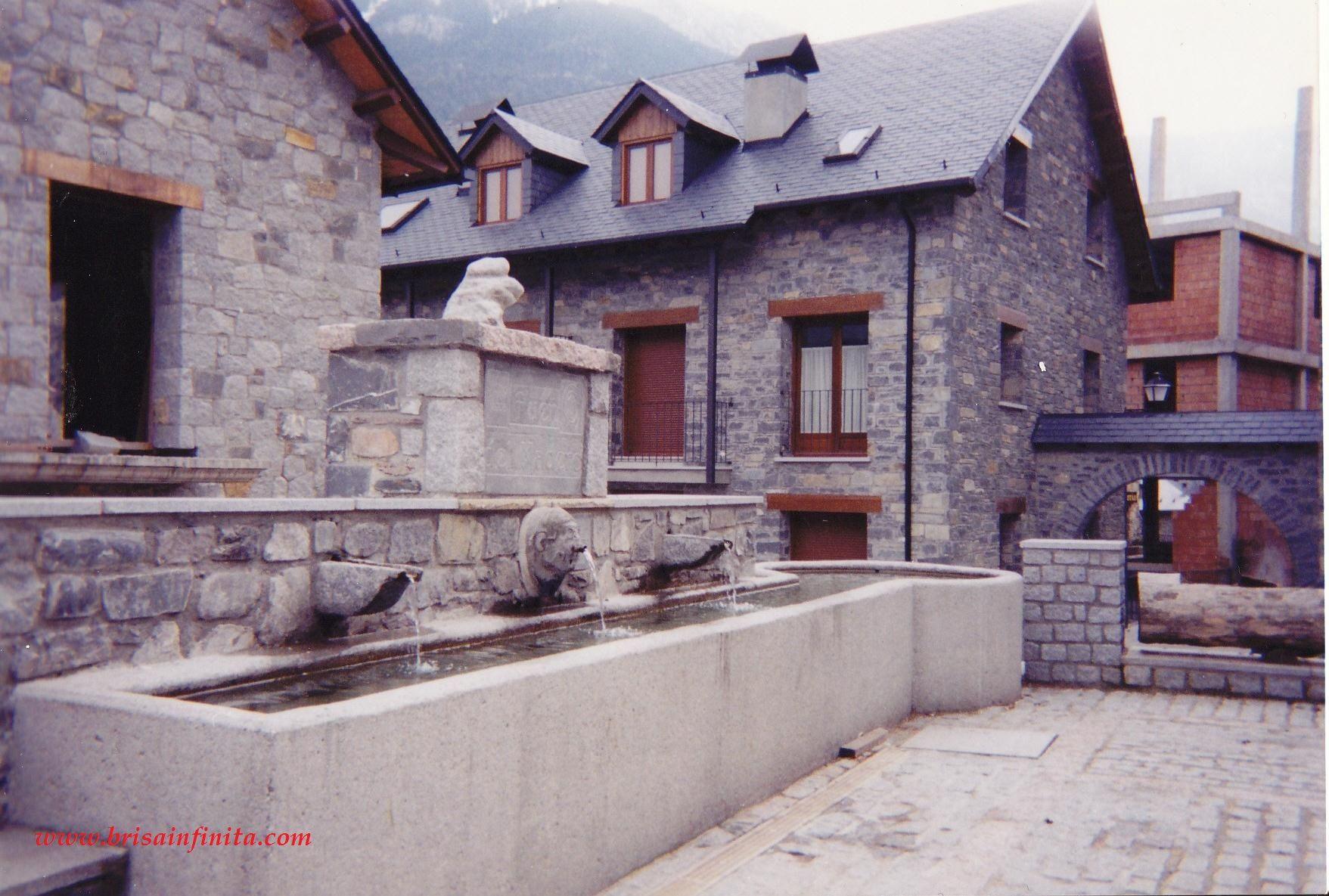 Abrevadero fuente de Plan (Valle de Chistau) Pirineos de Huesca