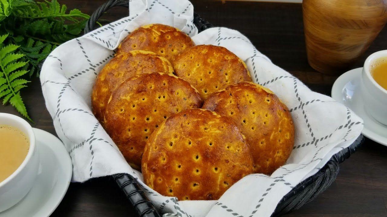 تعلمو كيفية عمل اطيب فطائر يمنيه Learn How To Make An Amazing Yemeni Bread Youtube Food Arabic Food Yemeni Food
