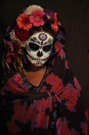 My Portrait blog | diadeolosmuertos makeup | Caveiras