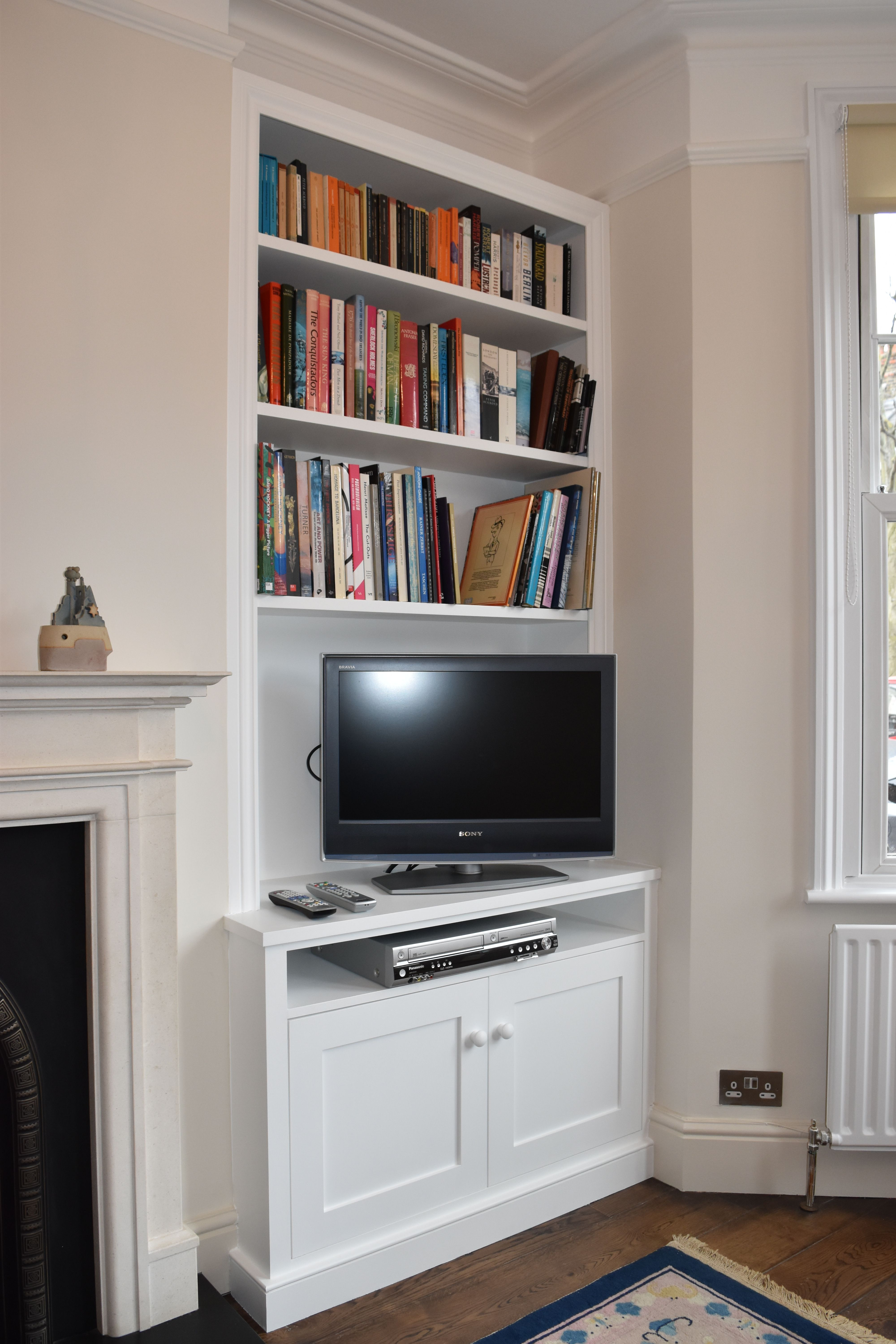 #Alcove #Cupboards #Shelving #Livingroom #Sscarpentry - Cabinets - Pinterest -