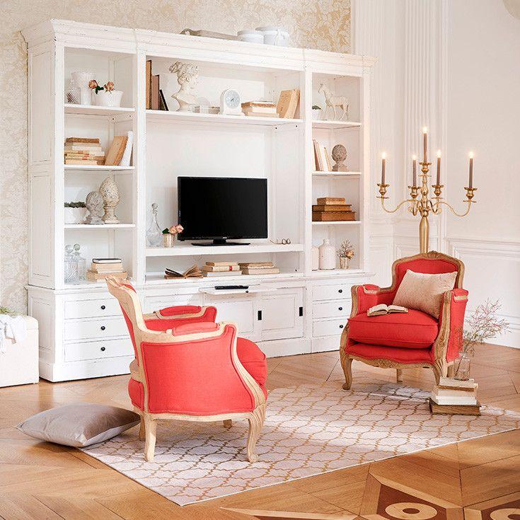 Des fauteuils rouge fraise pour décorer un salon épuré et classique ...
