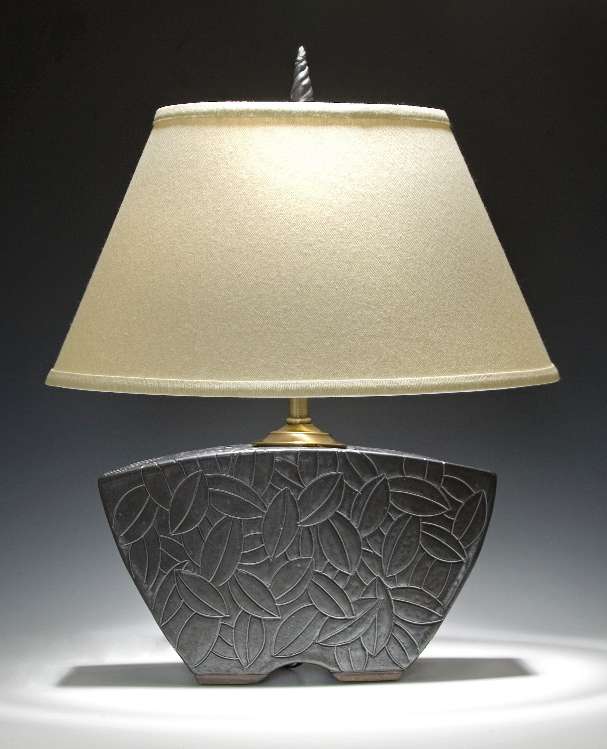 Charming Keystone Lamp By Jim And Shirl Parmentier (Ceramic Table Lamp