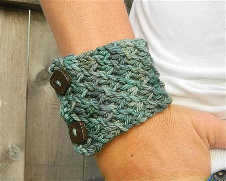 60 Eye Catching Crochet Bracelet Tutorials Crochet Bracelet